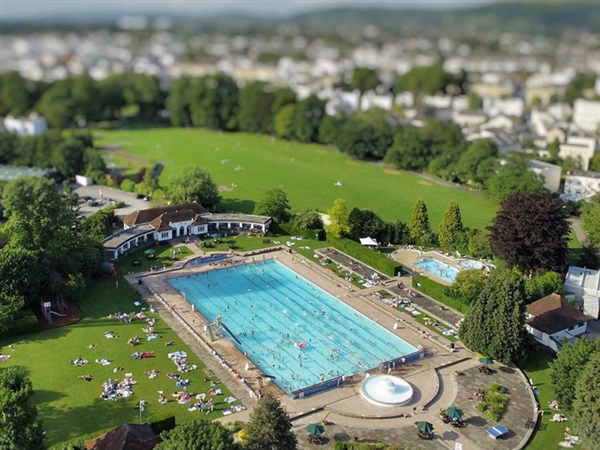 Sandford Park Lido in the heart of Cheltenham