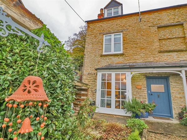 Weavers Cottage at Nailsworth in the historic Stroud Valleys in the Cotswolds