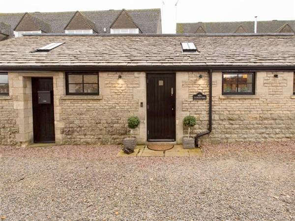 Alternative and different self catering accommodation in the Cotswolds with New Loos Cottage!