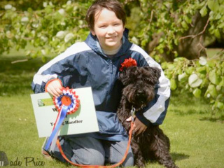 Young handler scoops top prize at Cotswold Wildlife Park's dog show