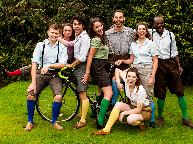 he HandleBards return with hilarious, outdoor Shakespeare!