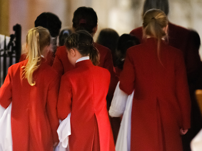 Could you be a Girl Chorister at Gloucester Cathedral?