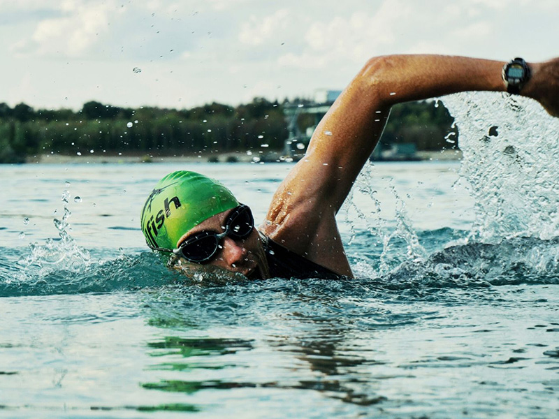Open Water Swimming at Cotswold Country Park & Beach