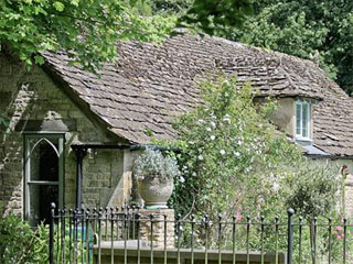 The Downs Barn Lodge, Nr. Stroud